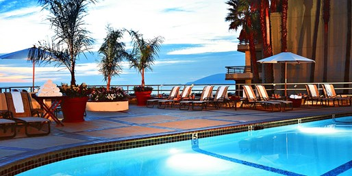 $79 -- Pismo Spa Day w/Bubbly & Oceanside Pool at The Cliffs