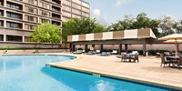 $85 -- Houston: Galleria Hilton Hotel w/Parking, 60% Off