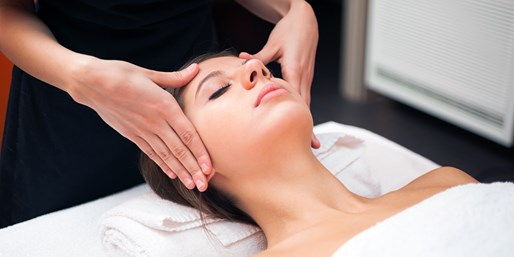 $39 -- UES: Massage or Facial at Red & White Spa, Reg. $120