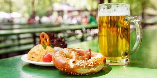 13 € -- Biergarten-Abend für 2 unter urigen Kastanien, -48%