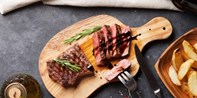 £39 -- Highly Praised Chateaubriand Meal for 2 & Bubbly