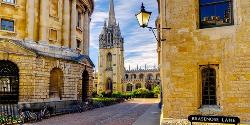 £14 -- Guided Walking Tour of Oxford for 2, 41% Off