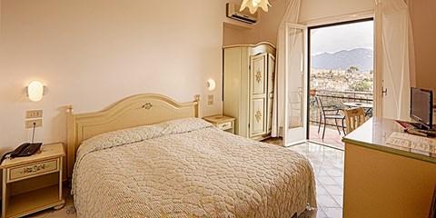 79€ -- Noche en villa de lujo cerca de la Costa Amalfitana