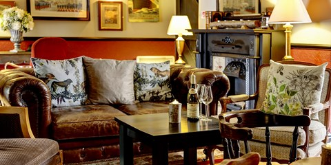 £119 -- Kent: Country Getaway w/Dinner & Prosecco, 38% Off