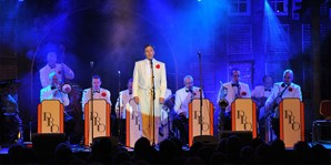 25 € -- Solingen: Swingklassik mit internationalem Orchester