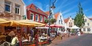 79 € -- Jever: Kurzurlaub in Nordseenähe mit Menü, -34%