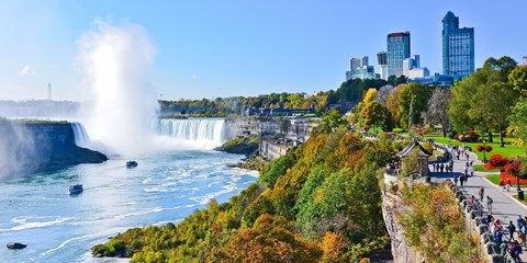 $85 -- Niagara Falls Hotel w/Breakfast & Parking, Reg. $165
