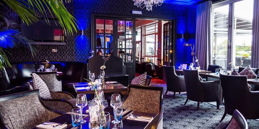 £25 -- Afternoon Tea w/Prosecco for 2 at Seafront Brasserie