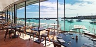 £25 -- Kent: Meal w/'Spectacular' Harbour Views & Bubbly