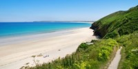 £129 -- Cornwall: Boutique Stay w/Dinner & Cocktail, 53% Off