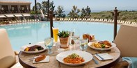Coliseum Pool & Grill at Pelican Hill: Dinner for 2 w/Wine
