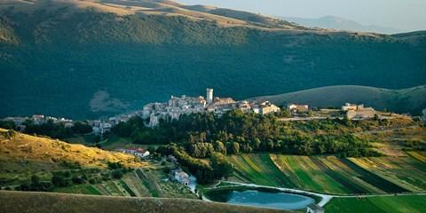 106€ -- Italia: hotelito de ensueño entre colinas de Abruzzo