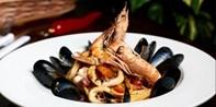 £35 -- Twickenham: 3-Course Italian Dinner & Bubbly for 2
