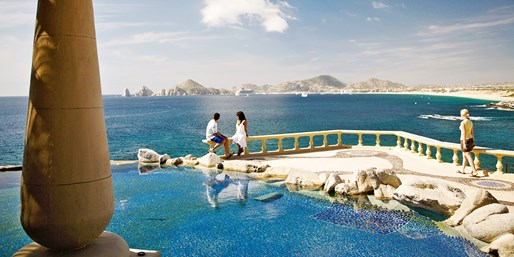 $1059 & up -- Adults Only: Luxe Cabo 'Secrets' Trip w/Air