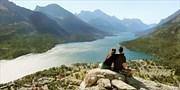 $2399 -- Summer: Western Canada 12-Night Tour incl. Banff