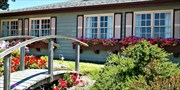 $99 -- Charming Coastal Cambria Inn w/Breakfast, Save 50%