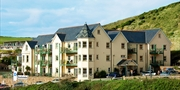 £99 -- 3-Night Cornish Apartment Stay w/Dinner, Save 40%