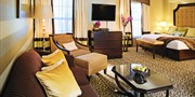 $129 -- Romantic Long Island Suite w/Dinner, 60% Off