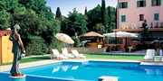 £419 -- Tuscany Getaway w/Meals & Free Lunch, Save £260