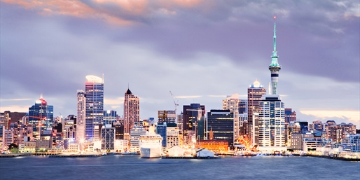 $2199 -- New Zealand & Sydney Excursion w/Air & Hotels