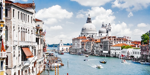 Italy: Rome & Venice Trip w/Rail & Breakfast, From $1,295