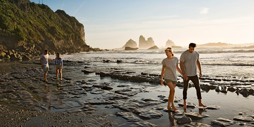 New Zealand Fares from the West Coast, R/T, From $1,078