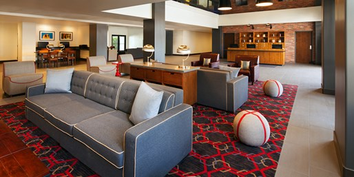 Phoenix: April Weekends at South Mountain Hotel, From $75