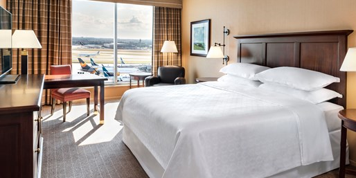 Sheraton at Toronto Airport, Save 30%, From $113