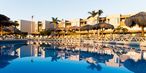 Cabo Kids Stay Free: 4-Nt. Beach Trip w/Air, From $499