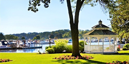 $99 -- Wisconsin: Lake Geneva Resort into Summer w/Credit