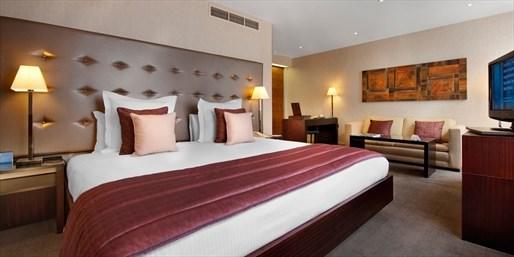 £139 -- Top West-London Hotel inc Breakfast & Prosecco
