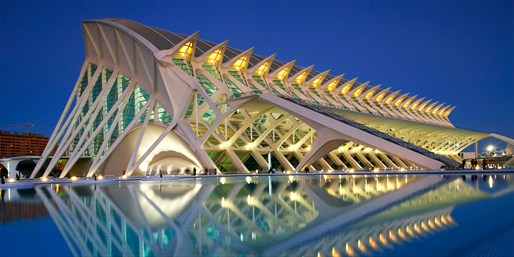 £97 -- Valencia: Hostel City Break w/Attraction Tickets