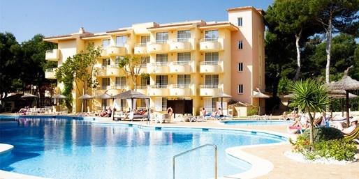 444 € -- Mallorca im Juni: 4*-Woche mit Halbpension, -38%