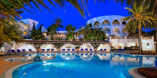 £299pp -- Deluxe Mallorca Escape w/Upgrade & Meals, Save 58%