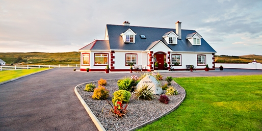 6-Night Dublin and B&B Getaway w/Air & Car, From New York City