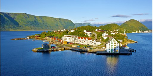 Norwegian Fjords 6-Nt. Trip incl. Tours & Air, From New York City