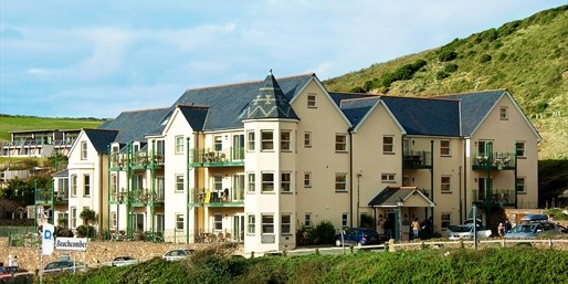 £75pp & up -- Cornwall: 4-Nt 4-Share Apartment w/Dinner