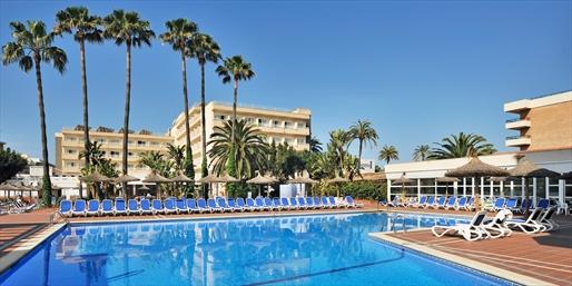 £219pp -- Mallorca: 4-Star 7-Night All-Inc Holiday w/Flights