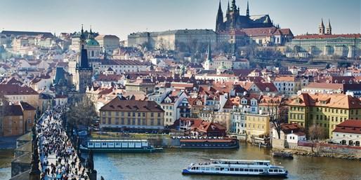 £139pp -- Prague 3-Night 4-Star Break w/Castle & City Tours