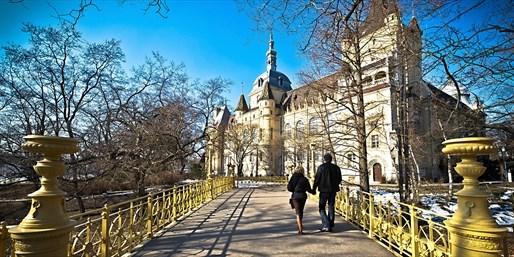 £149pp -- Budapest 3-Nt Break w/Tours & Cruise, 40% Off