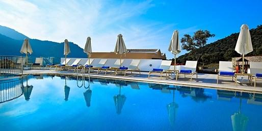 £299pp -- Crete Luxury Week inc Flights & Meals