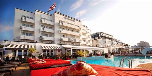 £89 -- Award-Winning Bournemouth Hotel w/Meals, 56% Off
