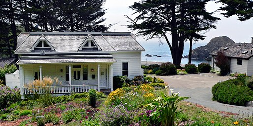 Travelzoo Deal: $199 -- 2 Nights at Oceanside B&B near Mendocino, Reg. $470