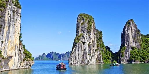 £1199pp -- Vietnam 13-Nt 4-Centre Escape w/Cruise, Save £490
