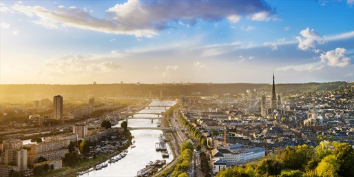 £995pp & up -- Seine Cruise Sale inc Paris w/Flights or Rail