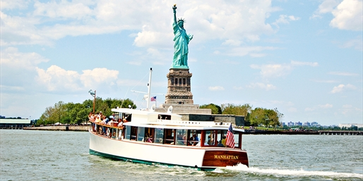 $32 -- Manhattan Skyline Cruise with Drink incl. Weekends