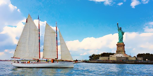 $37 -- Sailboat Cruise w/Manhattan Skyline Views & Drinks