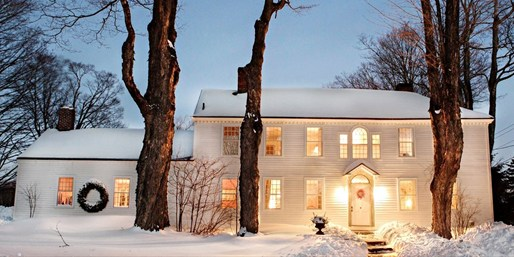 $349 -- Berkshires 2-Night Trip w/4-Course Dinner, Reg. $830