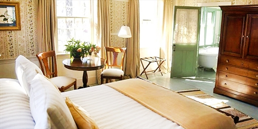 $349 -- Berkshires 2-Night Stay w/4-Course Dinner, Reg. $652
