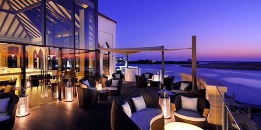 679 € -- Emirate: Dubai und Abu Dhabi mit Flug, -285 €